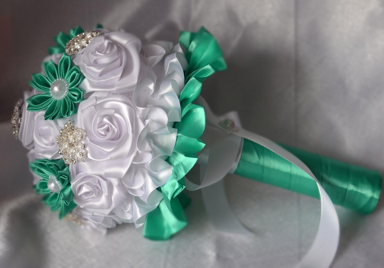 Букеты роз из атласных лент своими руками мастер класс