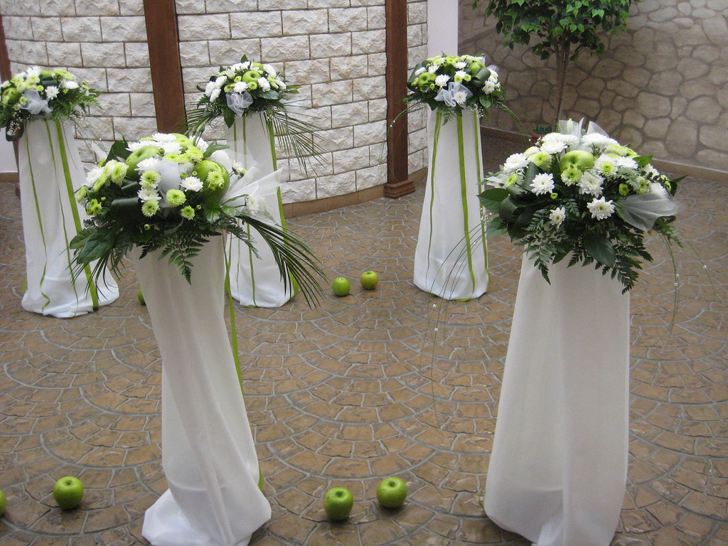 украшение цветами для свадьбы своими руками