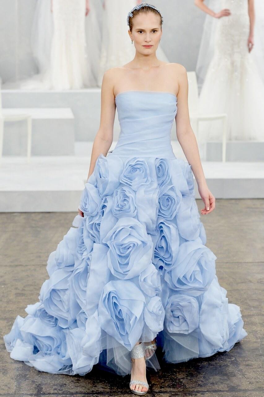 Свадебное платье голубое пышное