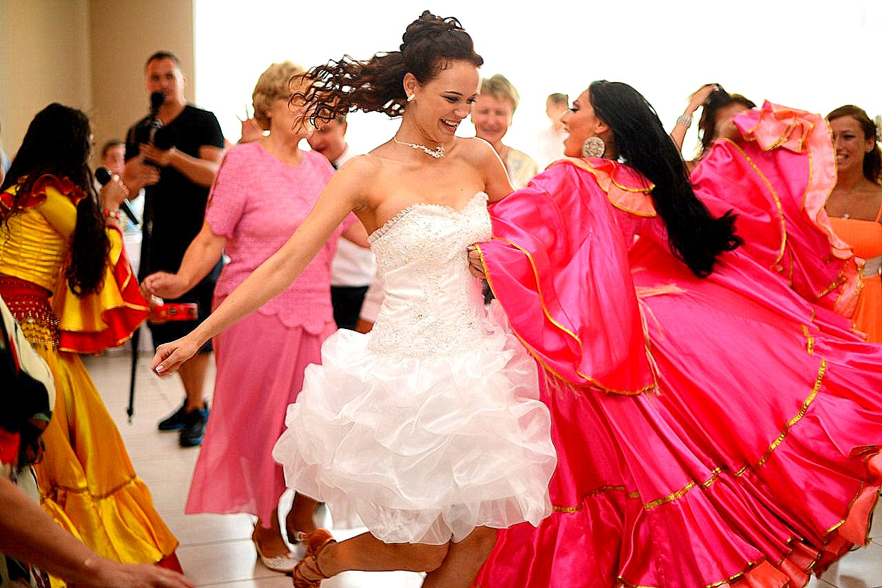 Фото девушек со свадьбы с дружкой 3 фотография