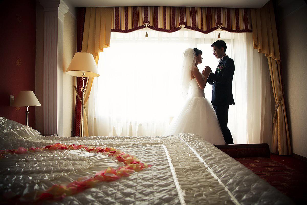 Фото первой брачной ночи невинной девушки
