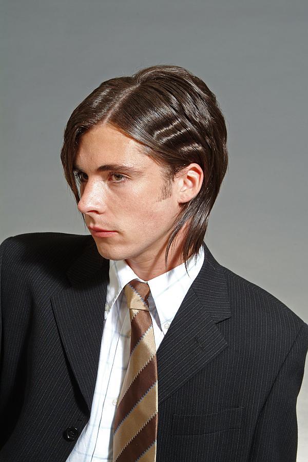 Деловые прически на длинные и средние волосы: на фото
