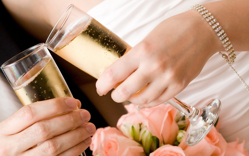 svadba-bokaly-shampanskoe